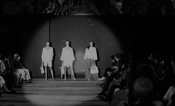 Brillante desfile de moda en el Museo San Telmo | fotos