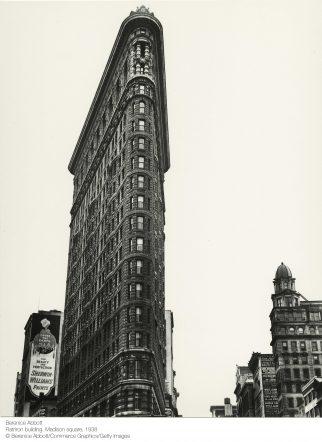 Berenice Abbott.Flatiron building. Madison square, 1938 - Kutxa Kultur