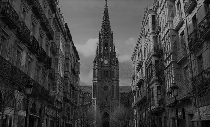 Artzain  Onaren  katedrala,  hiriaren  zabalgunea
