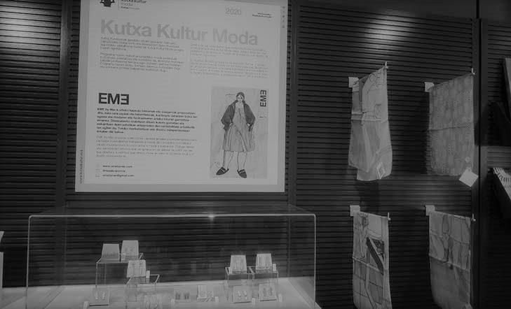 Maialen Porroy en la tienda de Kubo-Kutxa