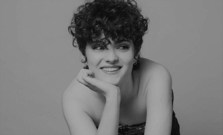 Anne Lukin | Recorrido musical y showcase acústico