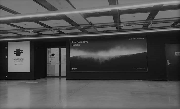 Galerna, la exposición del fotógrafo donostiarra Jon Cazenave