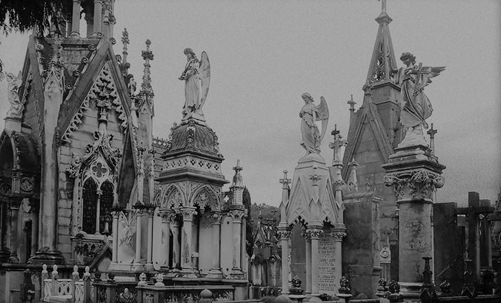Arte en el cementerio de Polloe