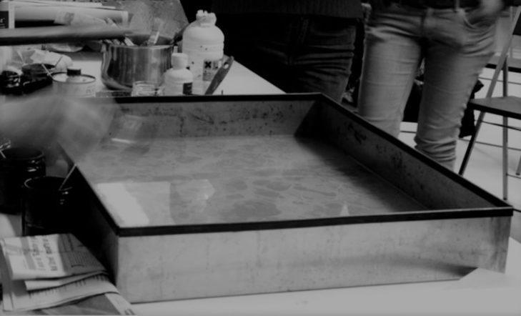 Transferencia de tintas flotantes a papel y otros materiales